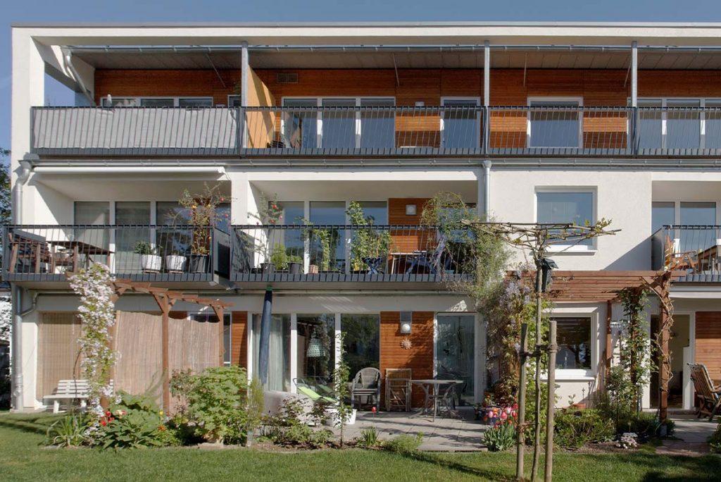 Mehrfamilien-Fertighaus - Das Mehrfamilien-Fertighaus in Holzbauweise nach Ihren Wünschen zur Vermietung oder eigenen Nutzung z.B. mit mehreren Generationen unter einem Dach
